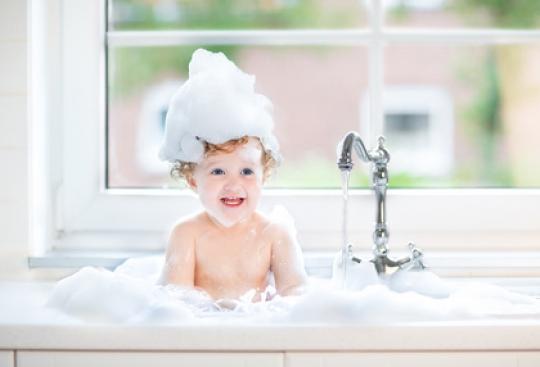 badezusaetze-baby-baden