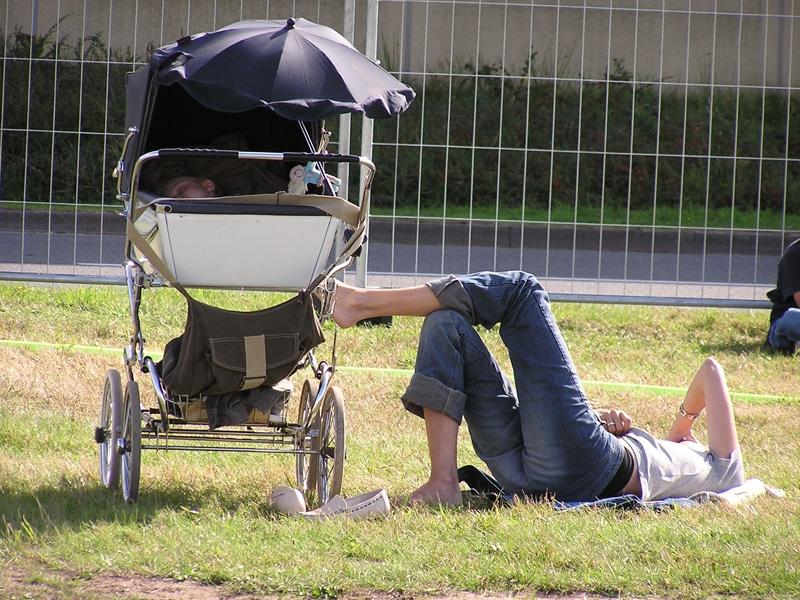 babys-erster-spaziergang