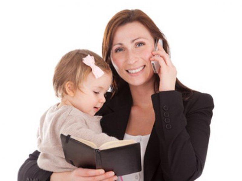 Berufstätige Mutter und Familie