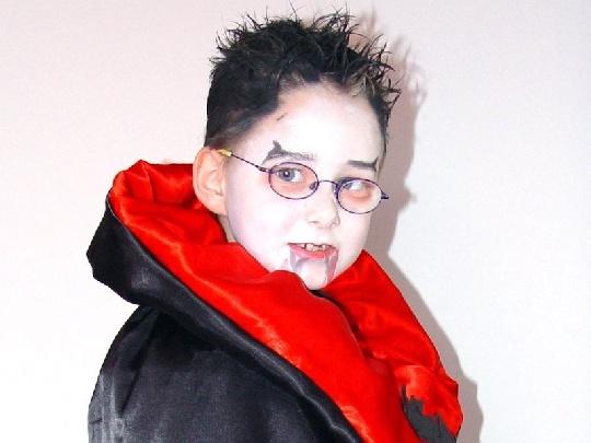 Kostume Selbst Machen Punker Und Vampir Mamiweb De