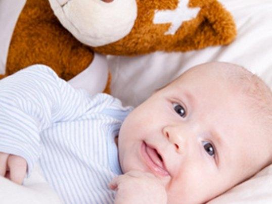 baby-krank-neurodermitis-wer-zahlt-die-kosten