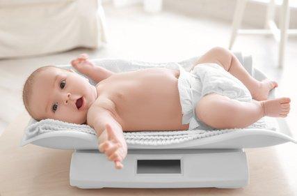 babyentwicklung-2monate-baby