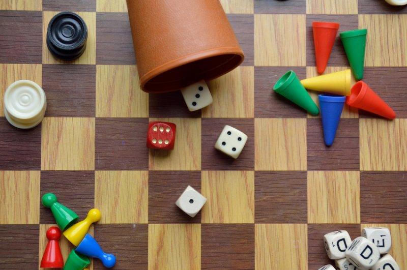 gesellschaftsspiele-lernmuffel